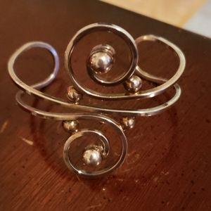 Spiral vintage bracelet